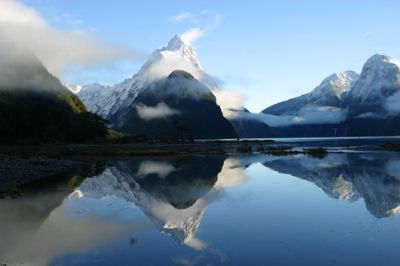 Réflections du Milford Sound.